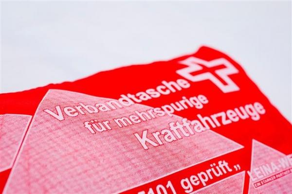 KFZ Kombitasche mit Warnweste und Warndreieck